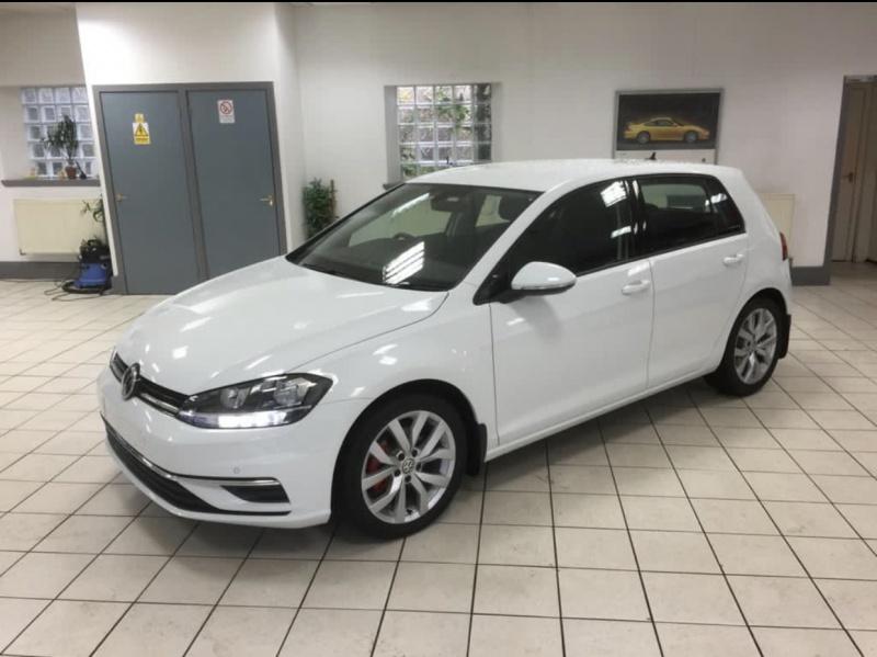 Volkswagen Golf 1.5 Tsi SE Nav EVO .